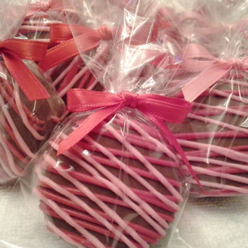 Red and Pink Chocolate Covered Oreos Cookies Wedding Favors Baby Shower Birthday Party Favors Baptism Favors Sweet 16 Party Favors