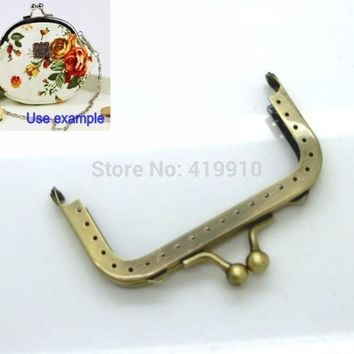 Free Shipping-2PCMetal Frame Kiss Clasp For Purse Bag Parts Accessories Antique Bronze Lock Handle DIY Handmade 9x5.7cm J2589