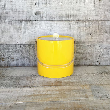 Ice Bucket Mid Century Ice Bucket with Lucite Lid and Knob Retro Yellow Ice Bucket Ice Cooler Retro Yellow Barware Bar Cart 1980s Barware
