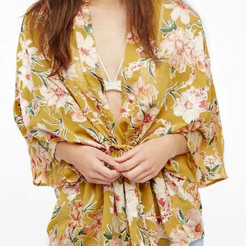 Yellow Floral Batwing Sleeve Tie Waist Kimono Top
