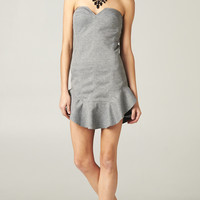 GRAY STRAPLESS FLOUNCE DRESS