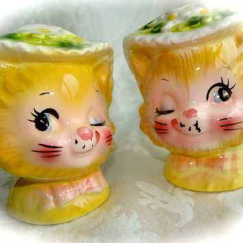 Antique Vintage Kitsch Kitty Miss Priss  Original Kitty Salt and Pepper Set N0 31