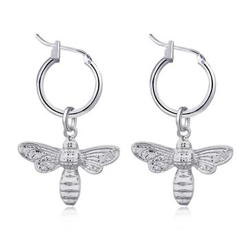GEOMEE 1Pair Small Insect Earring for Women Trendy Fashion Have Wings Insect Hoop Earrings Bee Simple Elegant Party Jewelry E135
