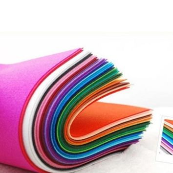 40pcs 15x15cm Non Woven Felt Fabric 1mm Thickness Polyester Cloth Felts DIY Bundle For Sewing Dolls Scrapbook Crafts Accessories