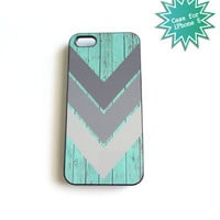 iPhone 5 Case Geometric Chevron on Rustic Wood Fence Seafoam Gray Ships from USA