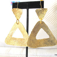Hammered triangle earrings, geometiric triangle earrings, modern metal jewelry, GIFT UNDER 45