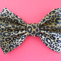 Fabric Hair Bow Girls Hairbow  Cheetah Print by TitasHidingPlace
