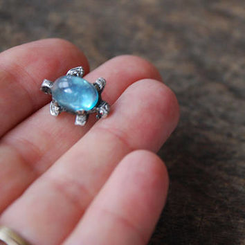 Vintage Jelly Belly Turtle Brooch Tiny Aqua Oval Glass Cabochon Silver Tone Figural Animals Retro 1940's // Vintage Costume Jewelry