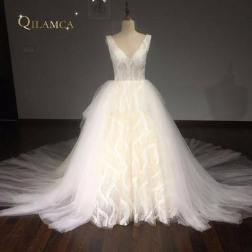 Robe De Mariee Ball Gown Vintage Wedding Dress 2017 V Neck Lace Beaded Chapel Train Bridal Gown Plus Size