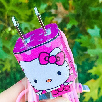 Hello Kitty iphone 5/6/7 Charger