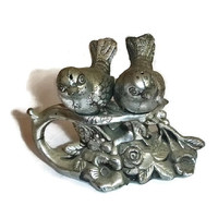 Silver Bird Salt & Pepper Shakers Plastic, Vintage Love Birds on Roses Made in Hong Kong, Kitchen Home Decor Shabby Kitchen Cottage Chic