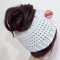 Messy bun hat, crochet messy bun beanie, bun hat, bun beanie, girlfriend gift, ponytail hat, winter gift, gift for her