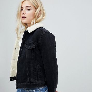 Levi's Batwing Logo Denim Trucker Jacket at asos.com