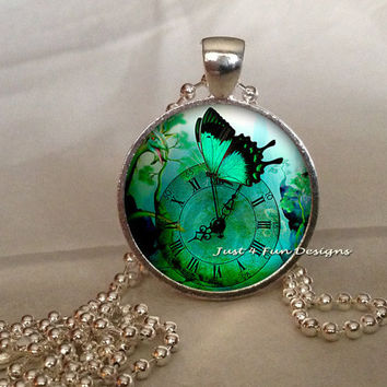 Steampunk Silver Pendant Bottle Cap Handmade Romance Femininity  Dragonfly Butterfly Time Gears Jewelry Technology