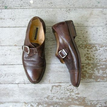 STOREWIDE SALE... vintage brown leather buckled shoes. wing tips.