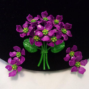 Enamel Purple Violet Flower Bouquet Green Leaf Brooch Pin Earrings Set Vintage 1960's