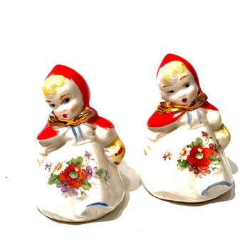 Hull Little Red Riding Hood, Salt And Pepper Shakers, Figural, Hand Painted, Floral Poppy Design, Collectible, 1940s Vintage, Gift For her