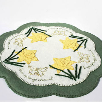 Hope Springs Eternal Penny Rug, Wool Felt Finished Original Design, daffodil butterfly easter spring canada table art mat handmade