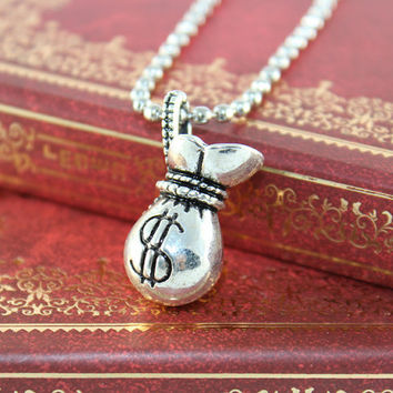 Steampunk Money bag Pendant in silver vintage by BeautyandLuck