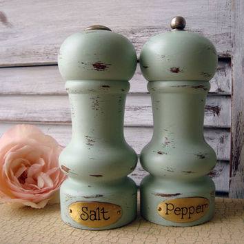 Mint Green Painted Vintage Pepper Mill Grinder and Salt Shaker Set, Sea Glass Green Wooden Salt and Pepper Mill Set, Shabby Chic Shaker Set