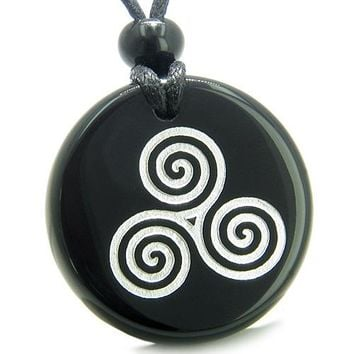Amulet Triple Spiral of Life Magic Celtic Goddess Protection Onyx Medallion Circle Pendant Necklace