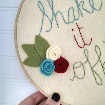 Embroidery, wall art, hoop art, hand stitched, hand embroidered, shake it off, needlecraft, felt art, felt flower, taylor swift, funny art