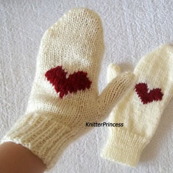 Womens gloves, hearted gloves, knitting gloves, womens mittens, girls thumb mittens, valentines day gift, christmas gift for her,