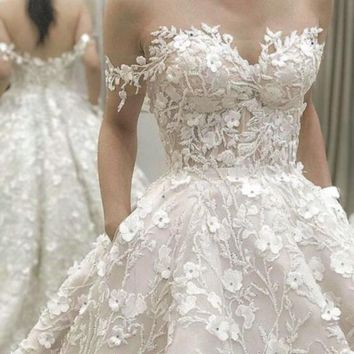 2018 High-end Custom made Lace Wedding Dresses 3d Flower Ball Gown Wedding Dress Vestido de Noiva