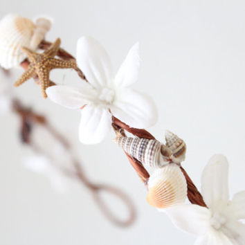 Beach wedding crown, sea shells and starfish,  flower crown, wedding tiara, by DeLoop