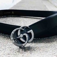 GUCCI new wild snake pattern buckle simple wild smooth buckle belt