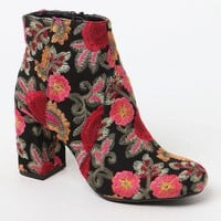DCCKYB5 Mia Embroidered Ankle Boots