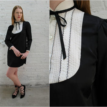 80s tuxedo dress / tuxedo front long sleeve dress / black long sleeve side gusset shift dress