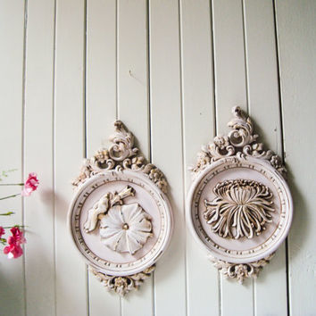 Vintage Pink Ornate Floral Wall Hangings, SYROCO Wall Plaques, Light Pink Kitsch Decor, Shabby Chic Distressed Wall Hangings, Baby Pink