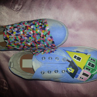 Up, Up, and Away Women's Canvas Shoes