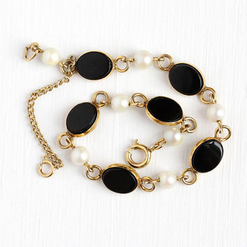 Vintage Onyx Bracelet - 12k Yellow Gold Filled Cultured Pearl & Black Chalcedony Gem Panels - Retro 1950s GF Oval Gemstone Dainty Jewelry