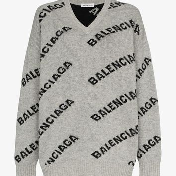 oversized logo knitted jumper