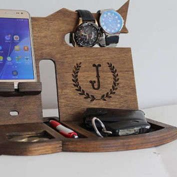 Phone holder for desk, Mens Desk organizer, Cyber week Gift for men, Wood docking station