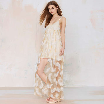 Nude V-neck Strappy Feather Lace Dress