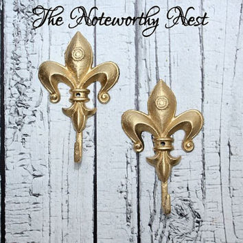 Gold fleur de lis hook // Gold hook // fleur de lis // bathroom hook // bedroom hook // hollywood regency // Gold Decor // entry decor