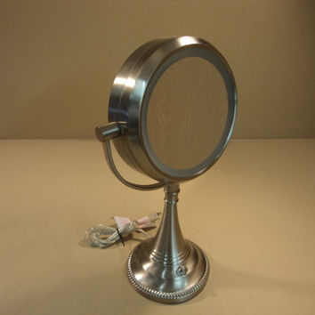 Sunter Lighting Vanity Mirror Natural Daylight NDVN-13-3340 Metal Glass -- Used