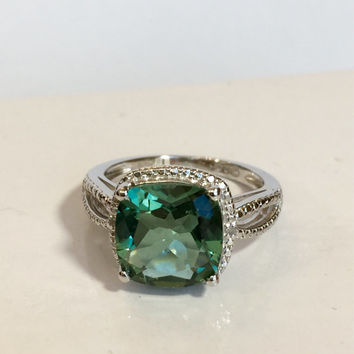 Vintage Jewelry Ring / Green Amethyst Ring / Art Deco Ring / Halo Diamond Ring / Antique Jewelry / Estate Jewelry / Sterling Silver Diamond