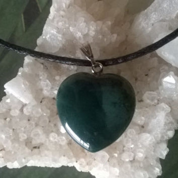Moss Agate Heart Pendant Necklace Virgo Modern Birthstone Green Natural crystal Gemstone necklace Polished gems stone bead charm