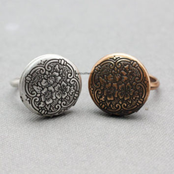 Adjustable Antique style Locket Ring / Burnished Locket Ring / Vintage Ring- available color in 2color (Antique silver,Antique Bronze)