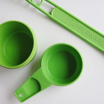 Tupperware Measuring Spoons Cups Carrier Handle Apple Green Partial Sets
