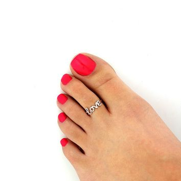 * cursive love toe ring