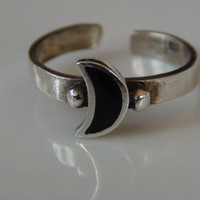 Black Moon Toe Ring Sterling Silver Crescent Shaped Stacking Knuckle Ring Toering Beach Jewelry Stamped 925