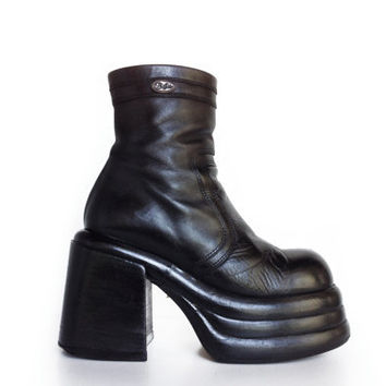 90's Buffalo Mega Platform Black Leather Chunky Ankle Boots // 7.5 - 8