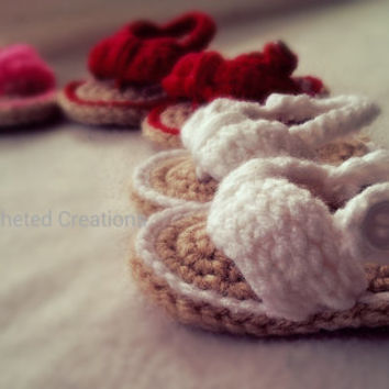 crochet baby flip flops , sandals , shoes , crocheted , handmade , summer shoes , new baby , baby shower gift , gift , booties , photo prop