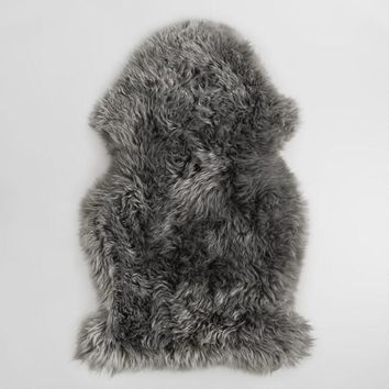 "21"" x 41"" Gray New Zealand Sheepskin Area Rug"