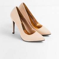 Veni Classic Pointy Pumps $40